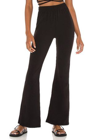 Frankies Bikinis Pantalón johnson en color talla L en - Black. Talla L (también en XS, S, M).