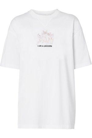 Burberry Mujer Playeras - Camiseta oversize con ciervos bordados