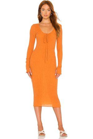Camila Coelho Vestido midi naya en color naranja talla M en - Orange. Talla M (también en XXS, XS, S).