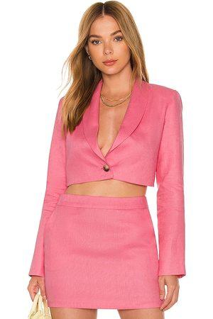 Amanda Uprichard X revolve linen pembroke blazer en color rosado talla L en - Pink. Talla L (también en XS, S, M).