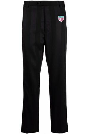 MARTINE ROSE Hombre De vestir - Pantalones de vestir con aplique de parche
