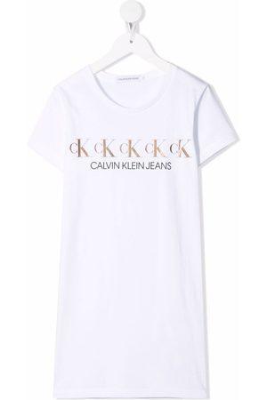 Calvin Klein Niña Playeras - Playera con logo metalizado