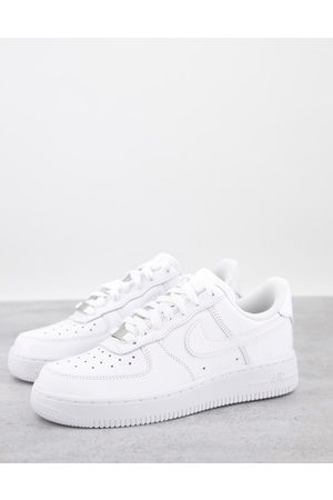 Nike Air Force 1 '07 in white