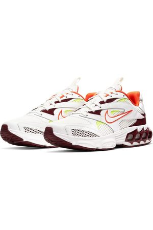 Nike Zoom Air Fire trainers in off white and red