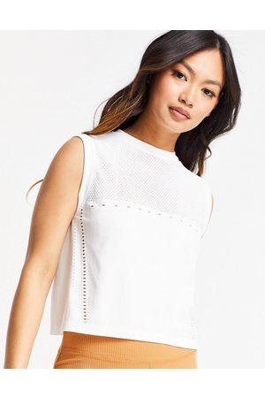 Varley Crestway vest in white