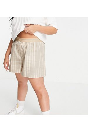COLLUSION Plus shorts with branded waistband co