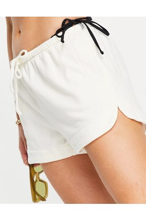 Rhythm Lounge fleece short in off white