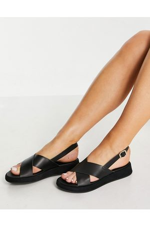 Schuh Tiana sporty sandals in black leather