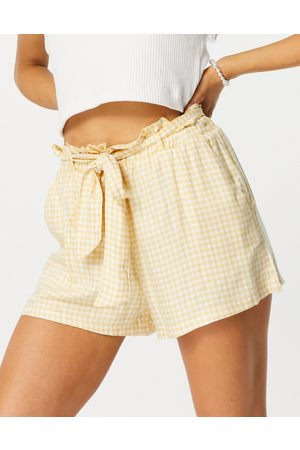 Hollister Mujer Estampados - Gingham tie waist short in yellow