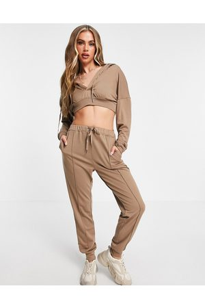 Skylar Rose Lounge tracksuit in taupe