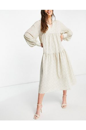 Pretty Lavish Mujer Midi - Petunia balloon sleeve midi dress in printed chiffon