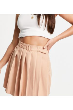 Parisian Pleated tennis skirt with belt in
