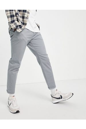 New Look Hombre Chinos - Pleated chino trousers in grey