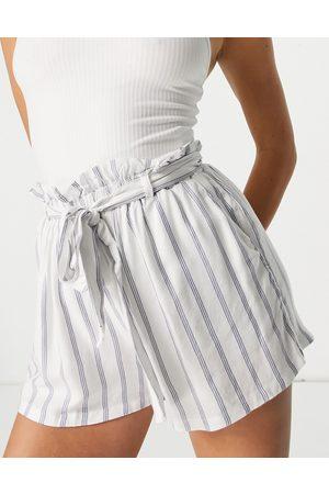 Hollister Striped tie waist short in stripe