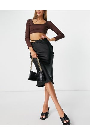 4th & Reckless Mujer Midi - Satin midi skirt with tie waist detail in black