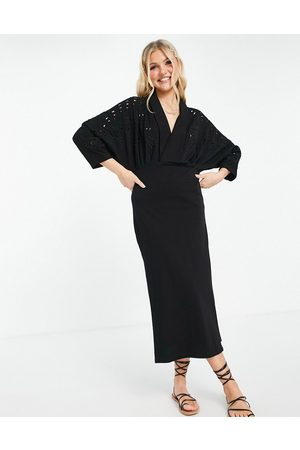 ASOS Mujer Casuales - Maxi dress with plunging neckline and embroidered cut out detail in black