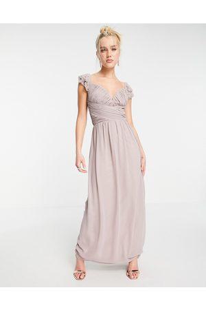 Little Mistress Mujer Vestidos de noche - Embellished flutter sleeve twist waist maxi dress in oyster grey