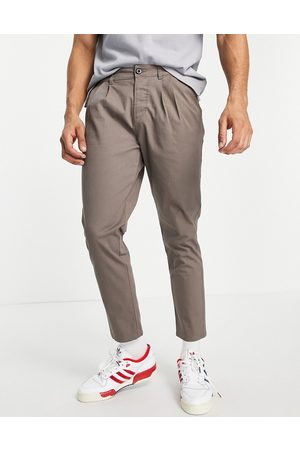 ASOS Hombre Chinos - Cigarette chinos with pleats brown