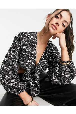 Pretty Lavish Mujer Crop tops - Cecile tie front blouse co