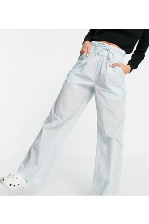 COLLUSION Mujer Leggings y treggings - Crinkle nylon joggers in ice blue