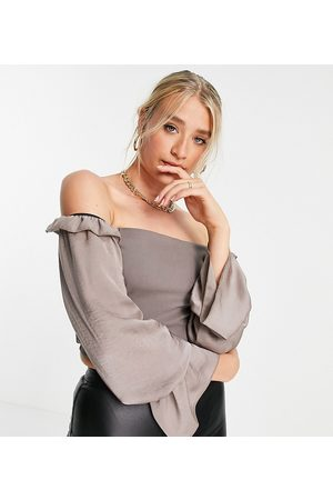 Vesper Mujer Tops strapless - Off shoulder crop top with ruffle detail co