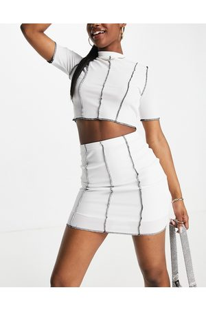 I saw it first Mujer Crop tops - Contrast seam crop top and skirt co ord in white