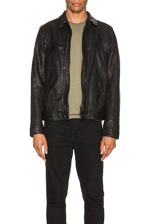 AllSaints Chaqueta cuero lark en color talla L en - Black. Talla L (también en S, M).