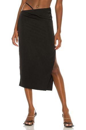 h:ours Falda midi sonnie en color talla L en - Black. Talla L (también en XXS, XS, S, M, XL).