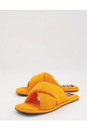 SENSO Inka IV fluffy flat sandals with crossover strap in tangerine