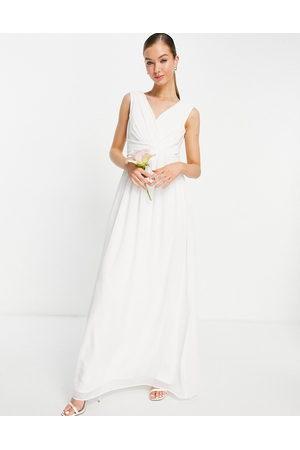 Little Mistress Mujer De fiesta - Bridal v neck maxi dress in white