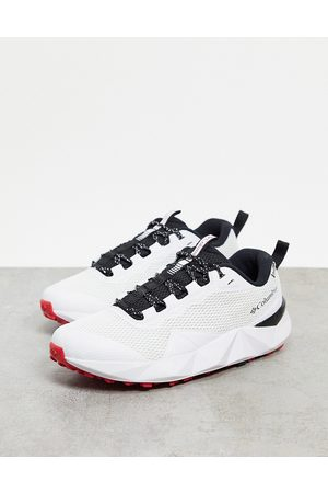 Columbia Facet 15 trainers in white