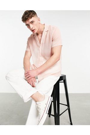 ASOS DESIGN Hombre Manga corta - Crepe shirt with deep revere collar in pink