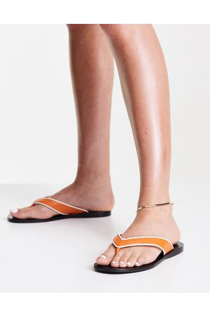 Senso Bowie III flat sandal with toe thong in tangerine