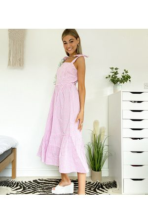 Native Youth Mujer Maxi - Maxi smock dress with full skirt in gingham