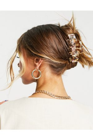 ASOS DESIGN Hair clip claw with double prongs in pale tort