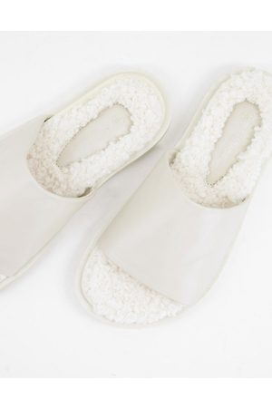 Truffle Collection Fur footbed sliders in cream