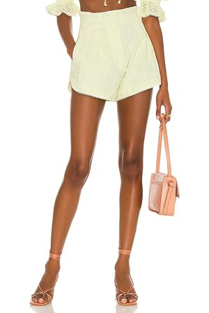 MAJORELLE Thalia shorts en color amarillo limon talla L en - Lemon. Talla L (también en XXS, XS, S, M, XL).