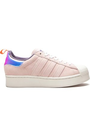 adidas Tenis Superstar de x Girls Are Awesome