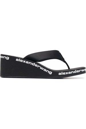 Alexander Wang Sandalias de cuña con logo estampado