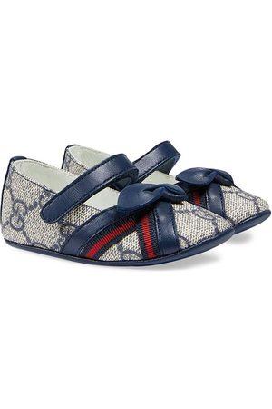 Gucci Zapatos primeros pasos con motivo GG Supreme