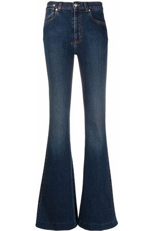 Alexander McQueen Mujer Acampanados - Jeans acampanados con tiro medio