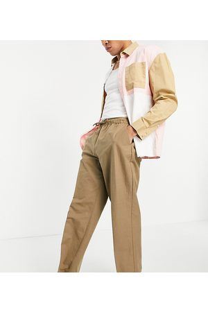 Reclaimed Vintage Hombre Pantalones y Leggings - Inspired linen mix trouser in tan