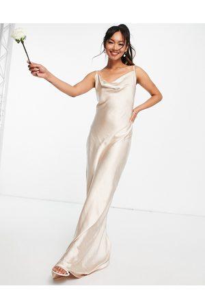 Pretty Lavish Mujer Maxi - Keisha cowl neck maxi dress in matte blush