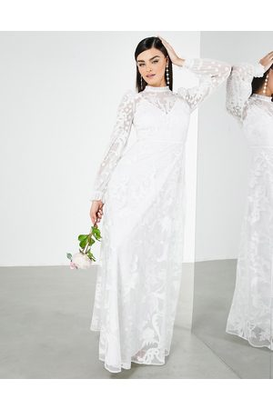 ASOS Mujer De fiesta - Violet placement embroidered wedding dress with high neck
