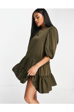 Ax Paris Mujer Casuales - Tiered smock dress in olive