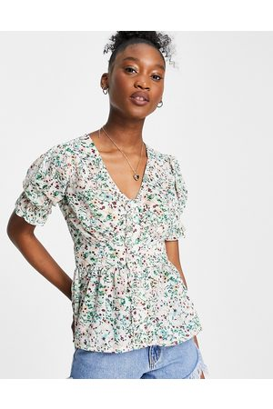 Influence Blouse with shirred sleeves in ditsy floral