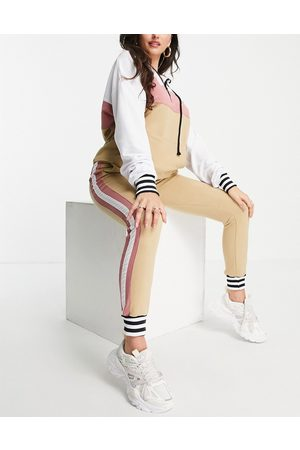 NaaNaa Premium smart tracksuit set in stone and pink