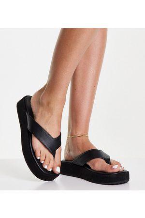 Simply Be Toe post flatform sandals in black
