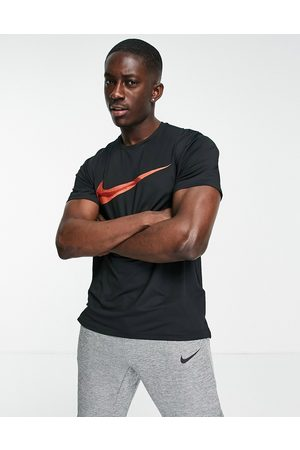 Nike Hyperdry large logo t
