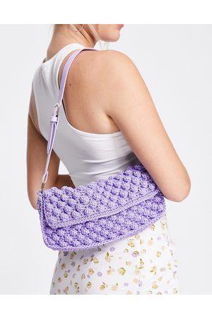 ASOS Mujer Bolsas de hombro - 90s shoulder bag with flap in lilac bobble knit